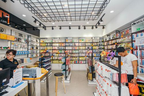 Thiết kế cửa hàng bán phụ kiện điện thoại - mẫu 1