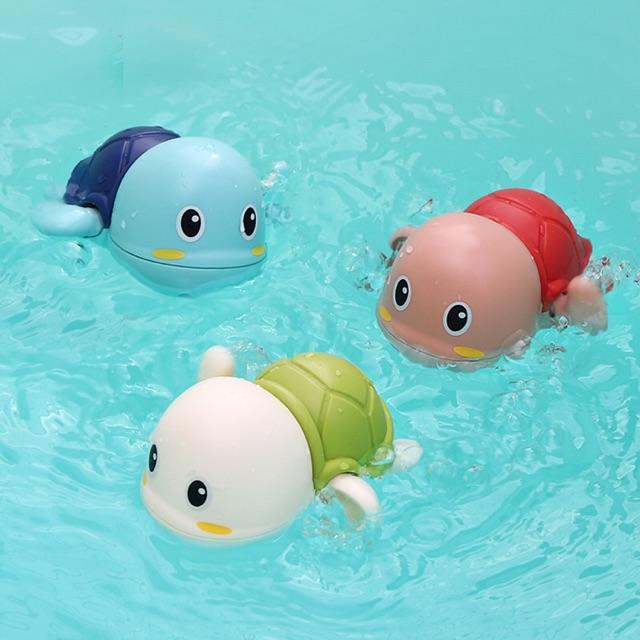 Rùa bơi cho bé yêu